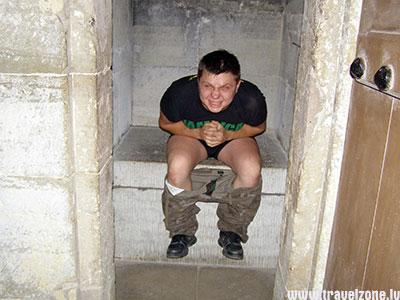 Туалет в средневековом замке
